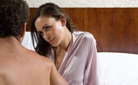 丈夫出轨离婚_出轨 离婚_女人出轨老公不离婚
