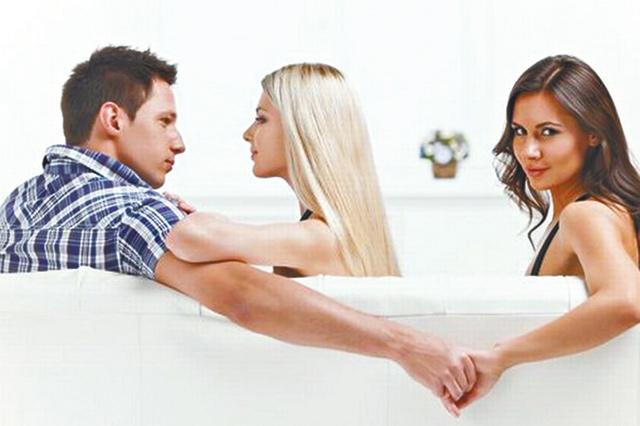 老婆出轨要离婚怎么办_男人出轨要离婚_丈夫出轨要离婚吗